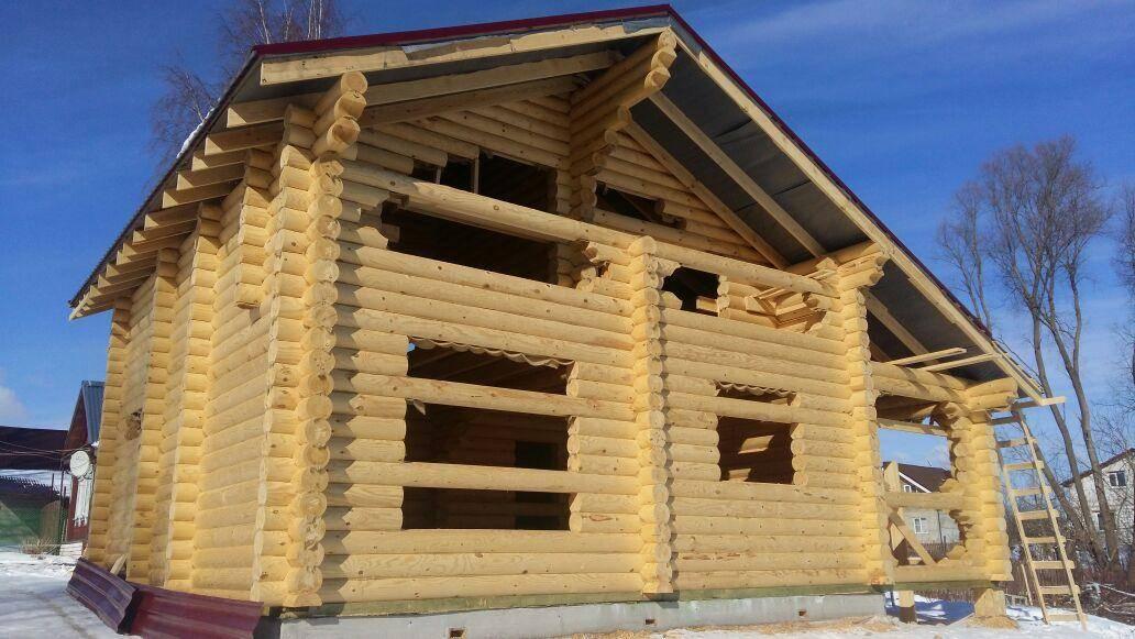 Постройка бревенчатого дома. традиционная и современная технологии на сайте недвио