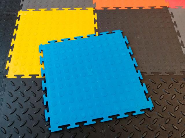 Модульное напольное покрытие из пвх: виды и монтаж материала | быстровозводимое строительство - информационный портал