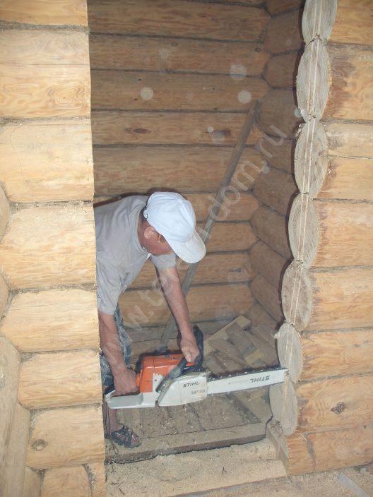 Дверь для бани: выбор материала, этапы изготовления и порядок установки