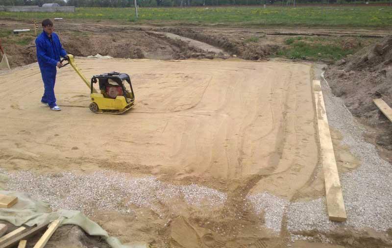 Строим фундамент правильно. Какой песок нужен для подушки?