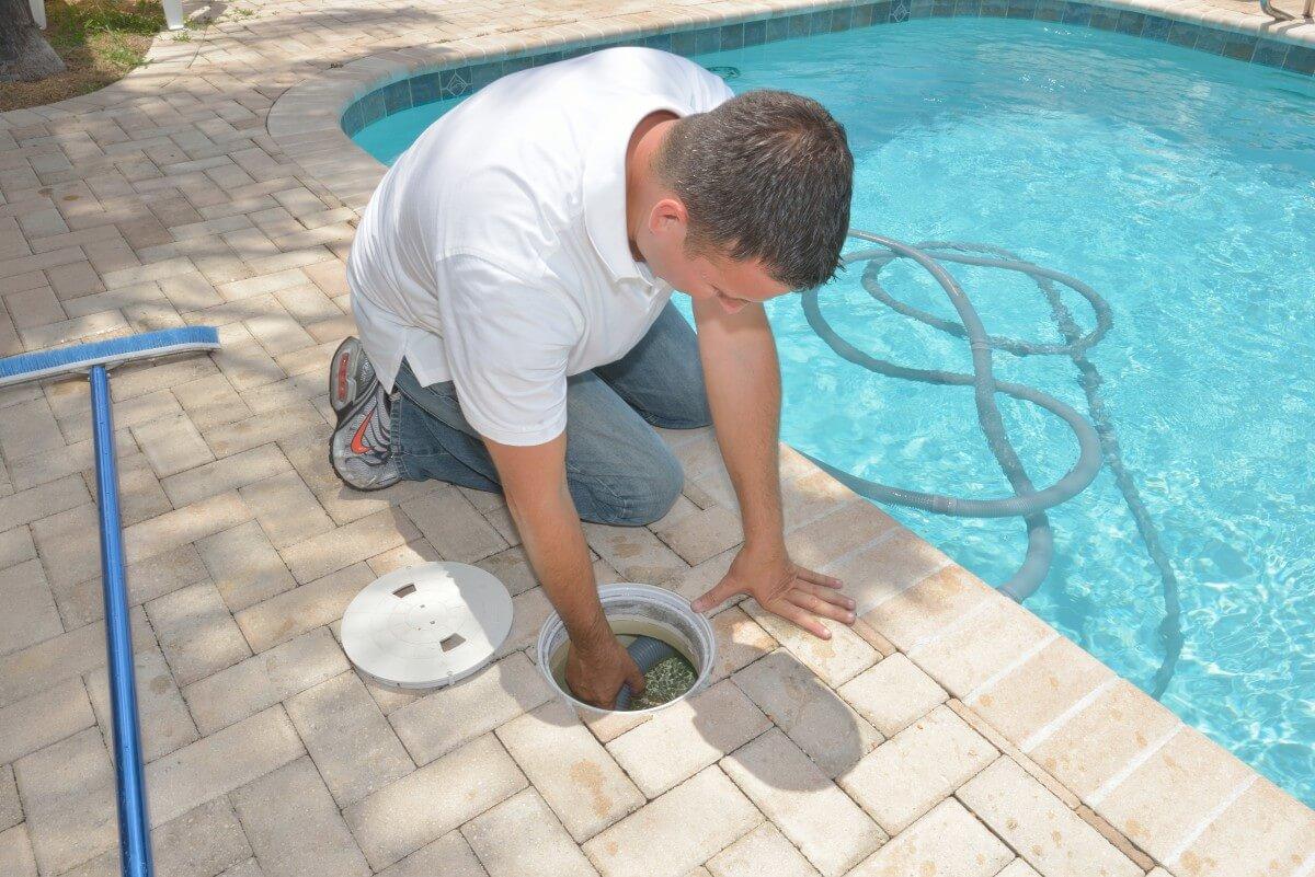 Как очистить воду в бассейне от ржавчины: что делать, как избавиться, осветлить, пошаговые способы очистки, средства, видео