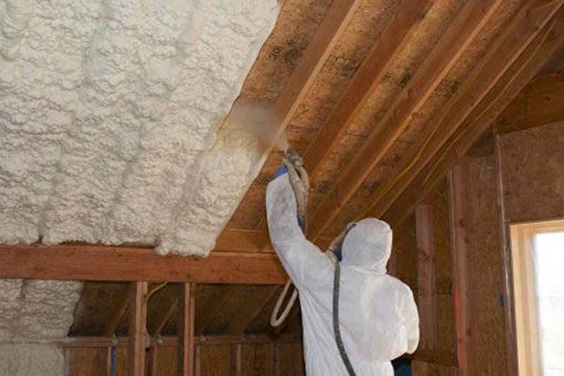 Можно ли утеплять дом изнутри: аргументы за и против