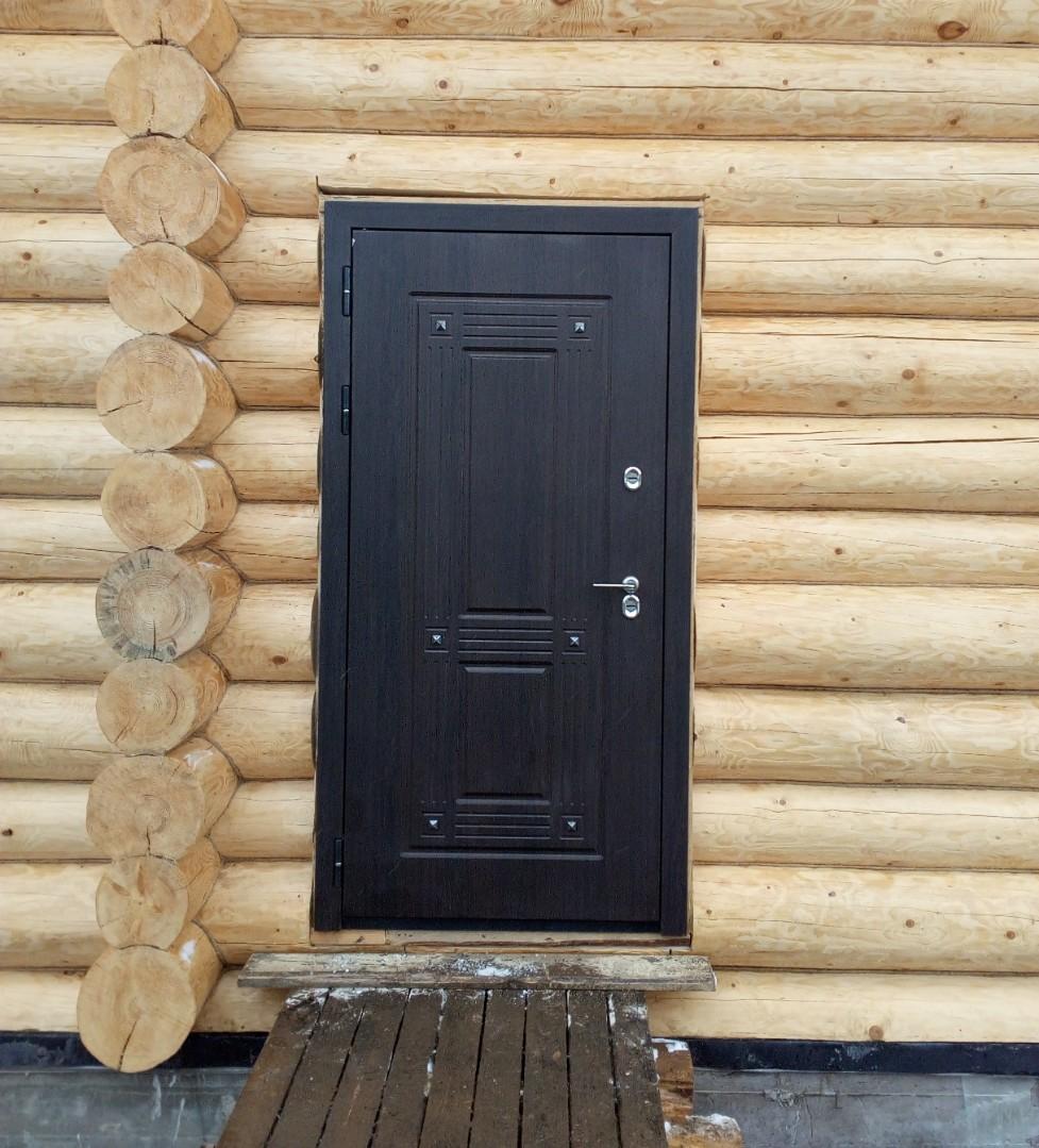 Входная дверь в баню: виды и их особенности. как выбрать входную дверь в баню?   построить баню ру
