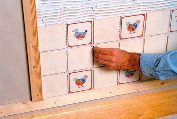 Можно ли класть плитку на деревянный пол и как это правильно сделать
