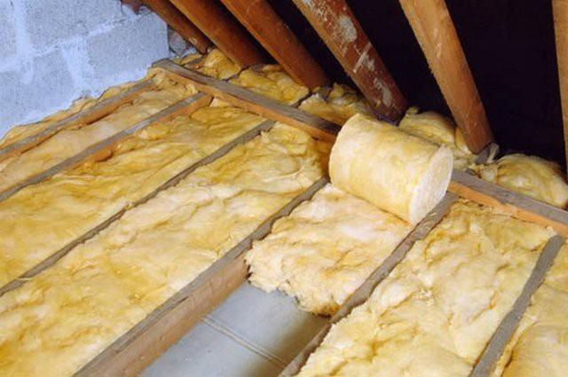 Чем утеплить потолок в бане - выбор подходящего материала