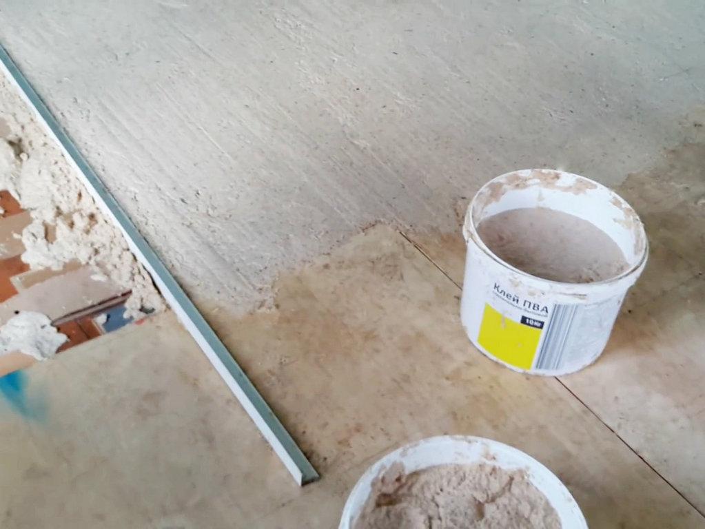 Выравнивание пола фанерой на старый деревянный пол: разбор популярных схем+советы по проведению работ