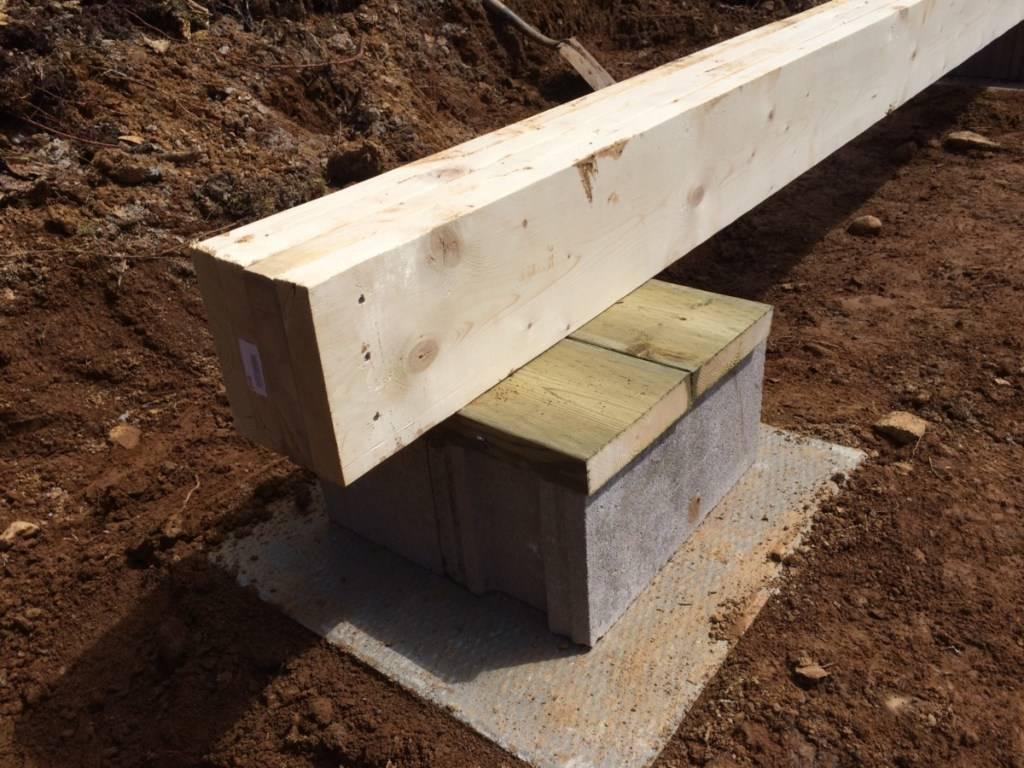 Чем хорош столбчатый фундамент для бани? ценой и простотой