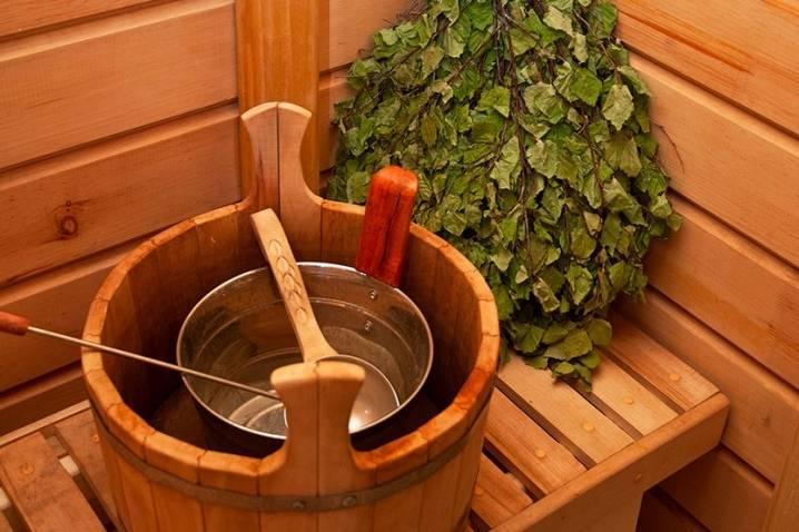 Как правильно запаривать веники для бани: как запарить дубовый веник или из других веток, как правильно замочить веник из дуба, как замачивать
