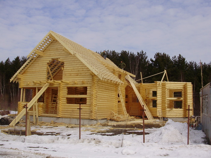 Можно ли строить дом зимой? особенности зимнего строительства коттеджей на сайте недвио