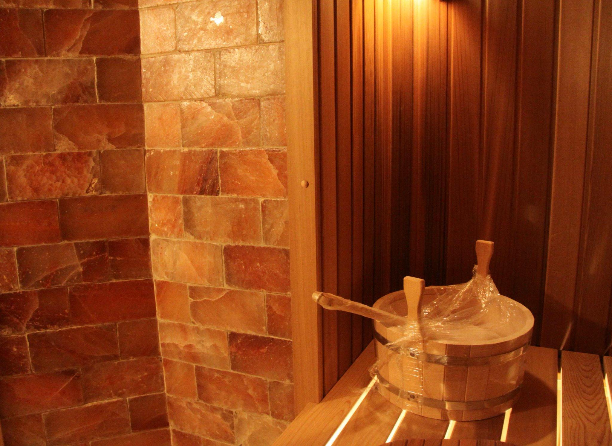 3 способа как применить гималайскую соль в бане