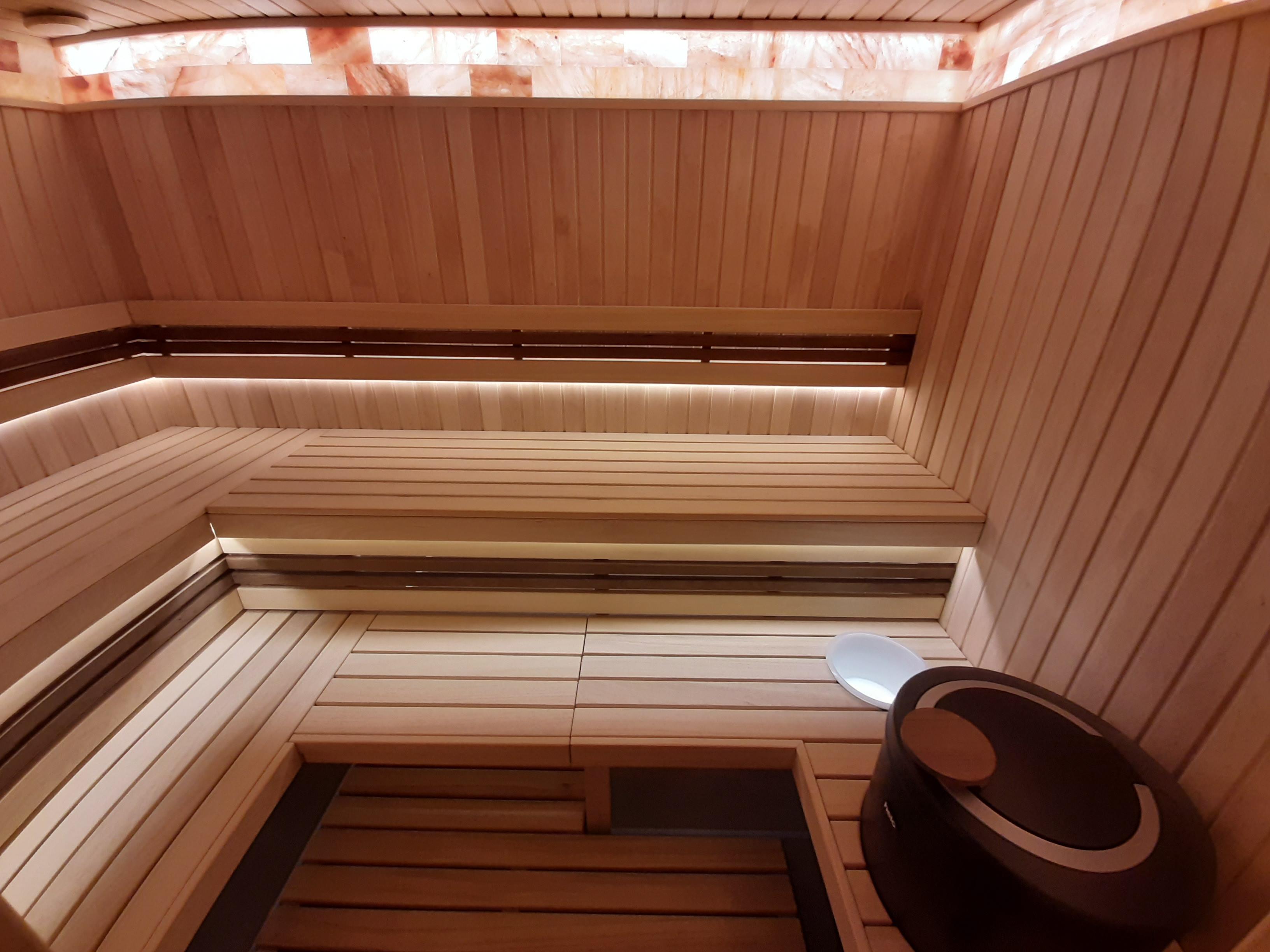 Лучшая вагонка для бани: какой лучше изнутри обшить, какой - снаружи, какую использовать в парилке и других частях бани