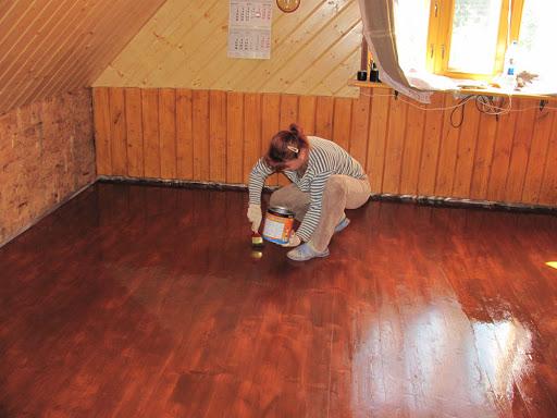 Чем покрасить потолок в бане? - деревянное строительство - плюсы, минусы, подводные камни